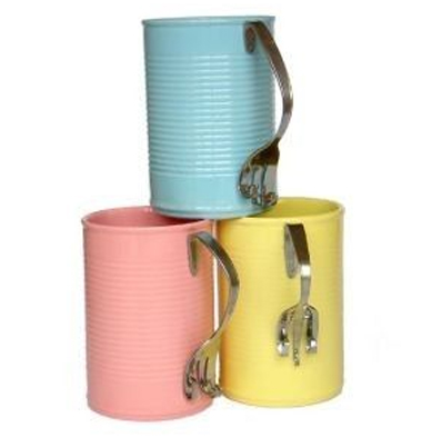 Recycle empty tin cans into coffee mugs